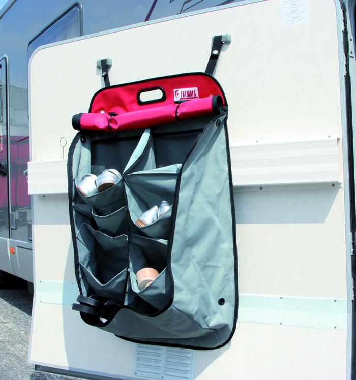 Scarpiera da viaggio mobile per camper con triplo aggancio for Garage mobile per auto